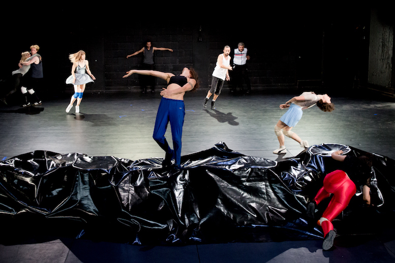 paradies fluten | backsteinhaus produktion | Tanztheater // Physical Theatre // Dance Theatre