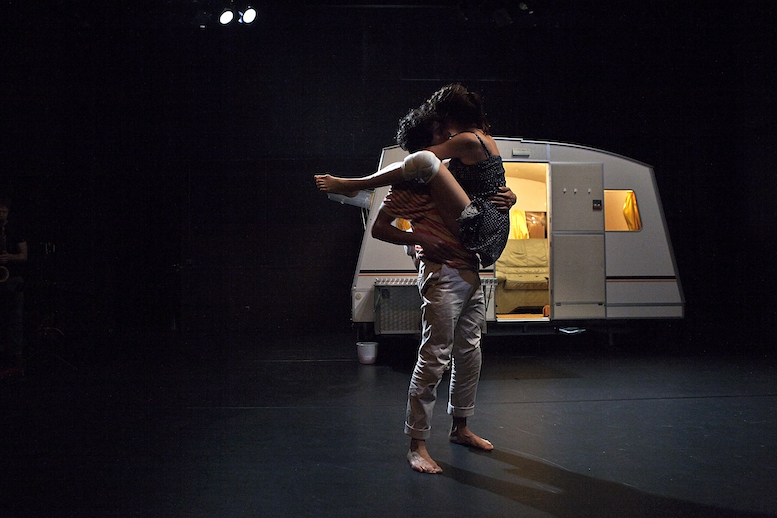 Die Anderen | backsteinhaus produktion | Tanztheater // Physical Theatre // Dance Theatre