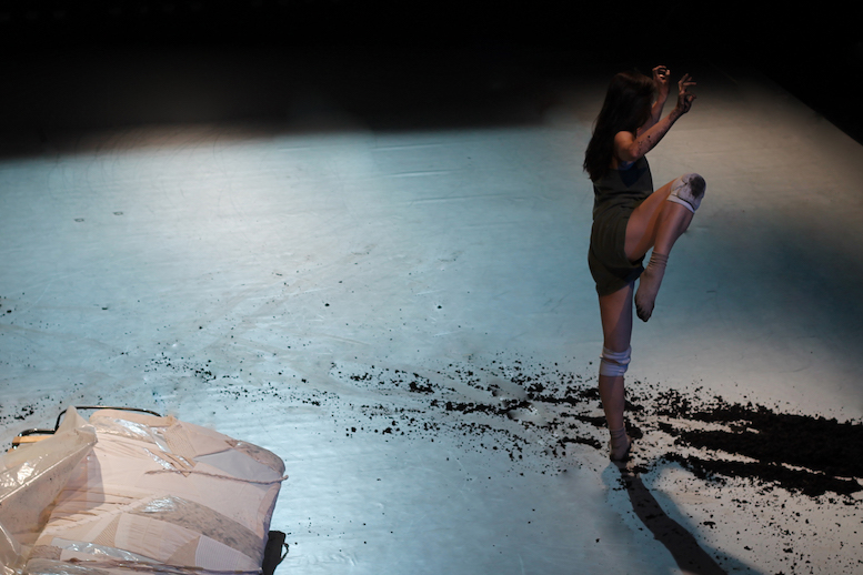 Forever Medea | backsteinhaus produktion | Tanztheater // Physical Theatre // Dance Theatre