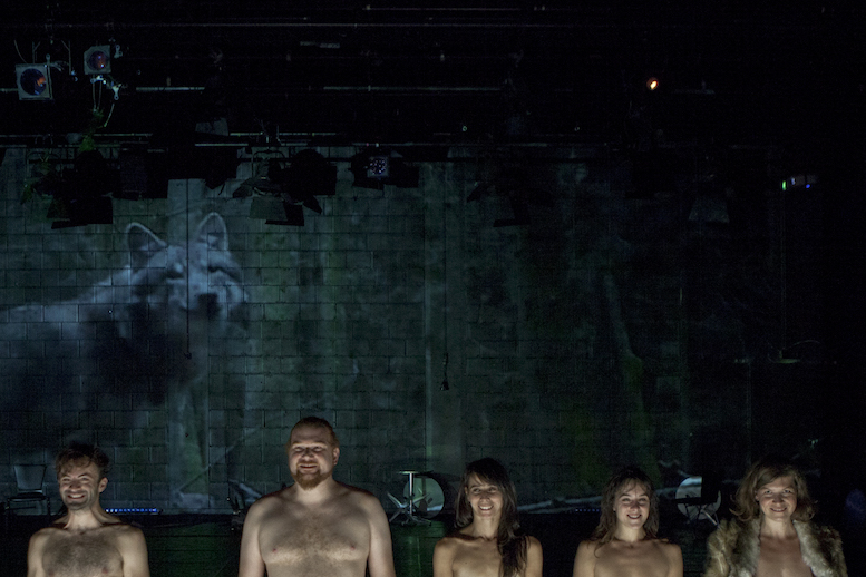 Wolfgang | backsteinhaus produktion | Tanztheater // Physical Theatre // Dance Theatre